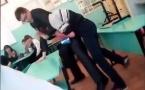 В России учитель подрался со школьником из-за дневника прямо на уроке